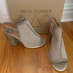 Kelsi Dagger Sandals 8.5 Suede/Heeled asking-back